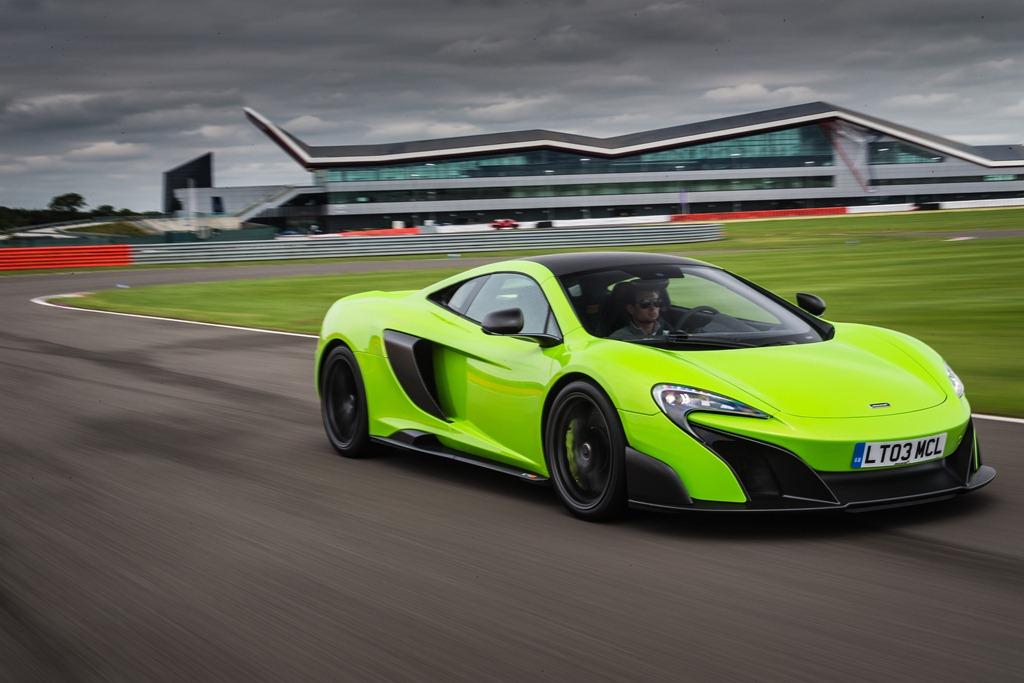 McLaren 675LT - circuit de Castelloli
