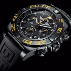 """Bentley Continental GT Speed & Breitling Chronomat 44 """"Breitling Jet Team"""" : Hommages à la patrouille de voltige aérienne suisse"""
