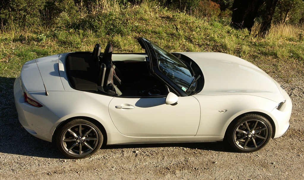 essai mazda mx 5 2 0l 160 ch a fucking good car. Black Bedroom Furniture Sets. Home Design Ideas