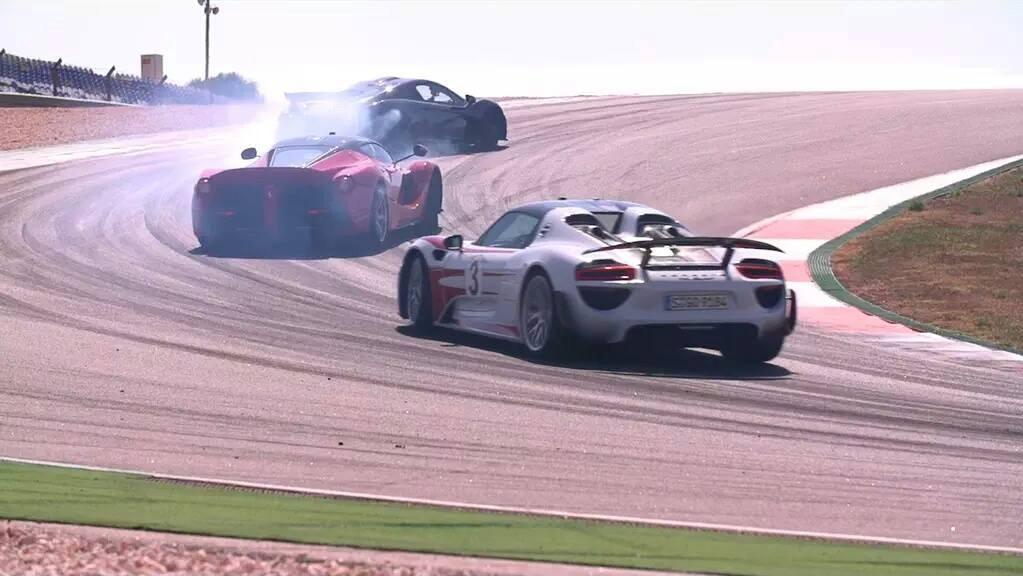 Chris Harris, teaser du comparatif Ferrari LaFerrai vs McLaren P1 vs Porsche 918 Spyder
