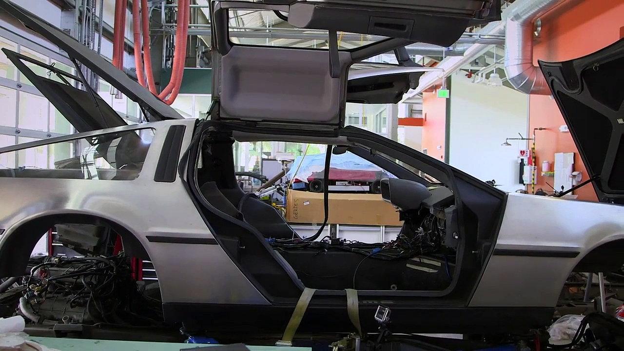 DeLorean EV autonome