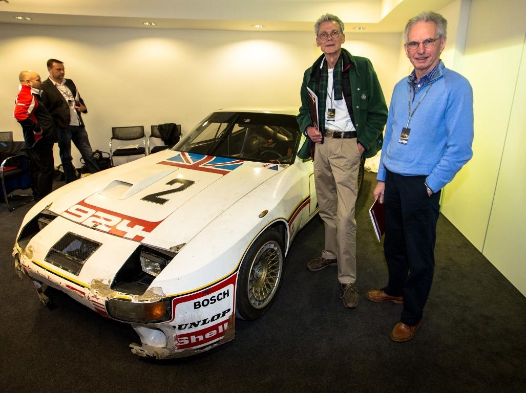Tony Dron et Andy Rouse avec leur Porsche 924 Carrera GT n°2 des 24 Heures du Mans 1980