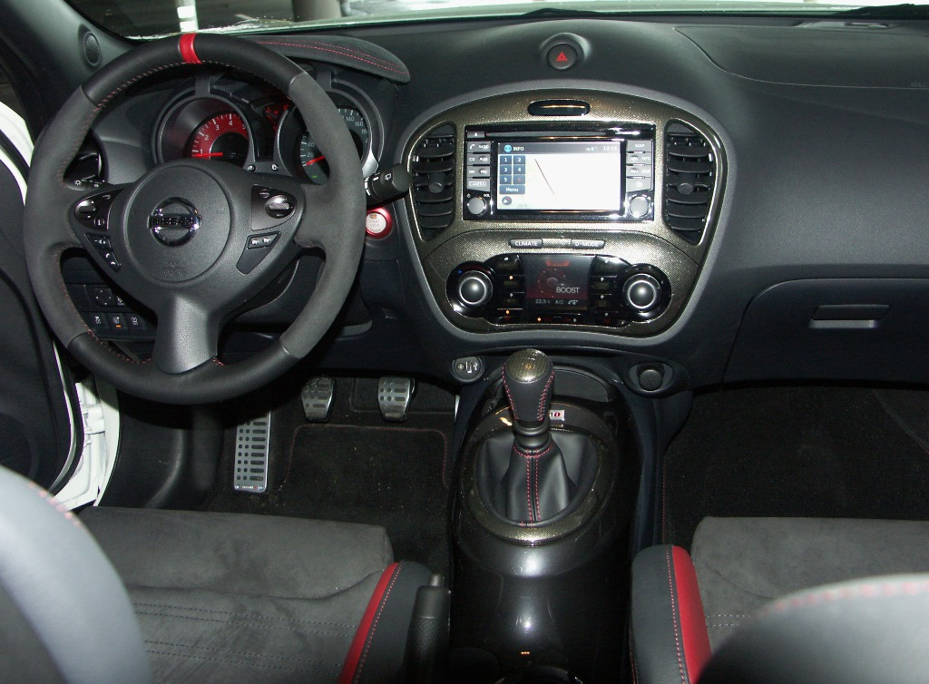 Essai nissan juke nismo rs un point de vue diff rent for Interieur nissan juke