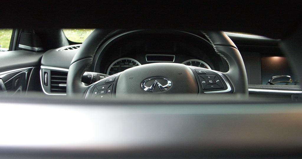 Infiniti Q30 2.0T DCT AWD Sport