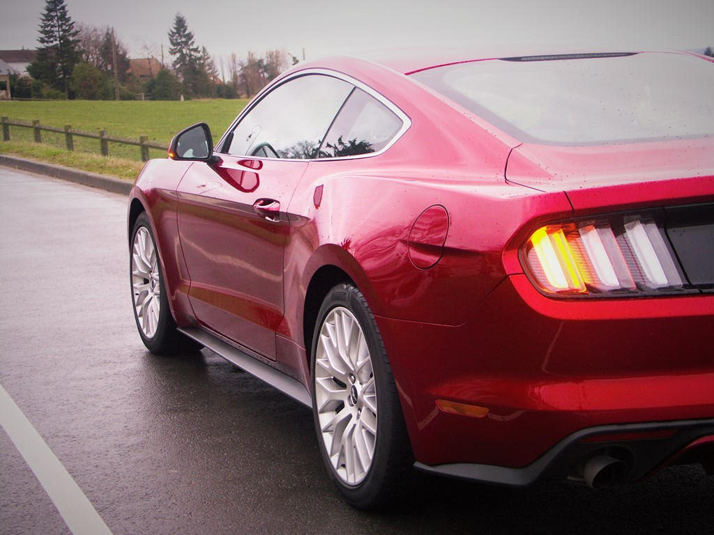 Ford Mustang 2.3L Ecoboost Fastback