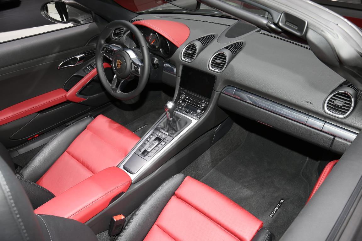 Porsche Boxster 718 - Salon de Genève 2016