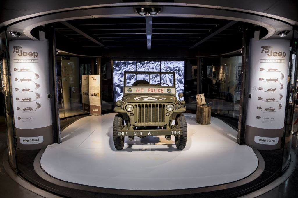 jeep f te ses 75 ans au motor village de paris automotiv press. Black Bedroom Furniture Sets. Home Design Ideas
