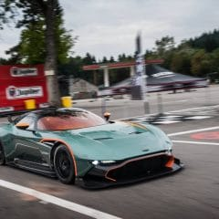 9 Aston Martin Vulcan surprises en essai à Spa Francorchamps !