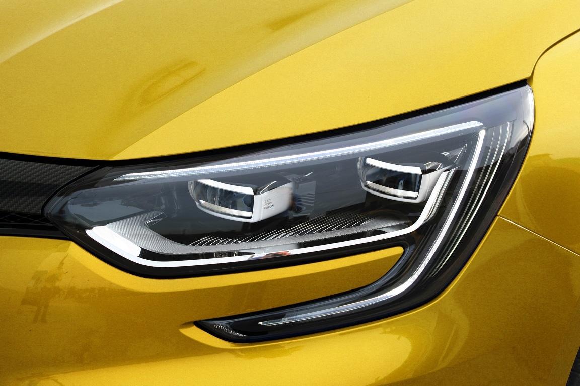 2017 - [Renault] Megane IV R.S. - Page 3 Renault-Megane-RS-Trpohy-détail-Monholo-Oumar-1
