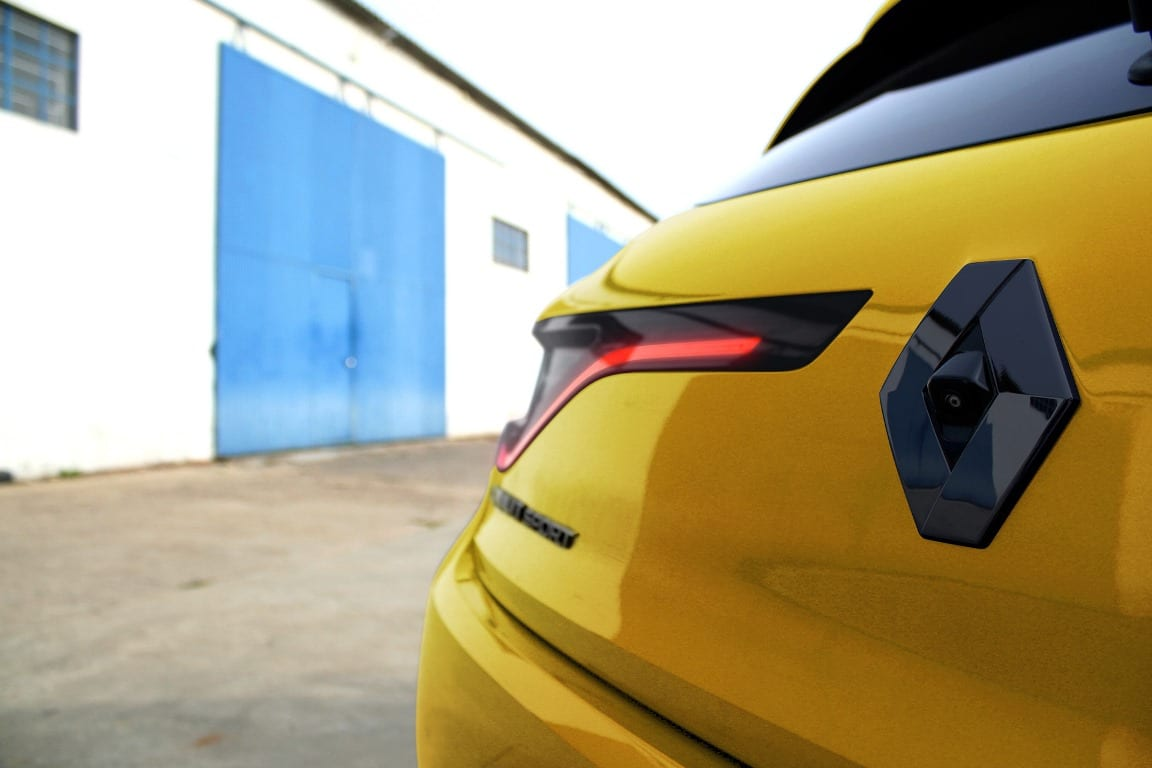 2017 - [Renault] Megane IV R.S. - Page 3 Renault-Megane-RS-Trpohy-détail-Monholo-Oumar-2