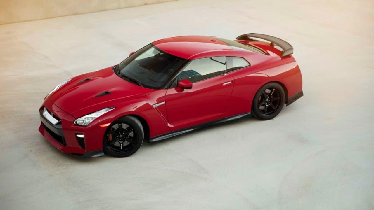 2017-nissan-gt-r-track-edition-3