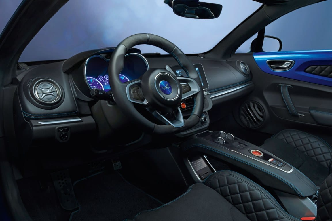 Alpine a110 une passion fran aise automotiv press for Interieur alpine a110