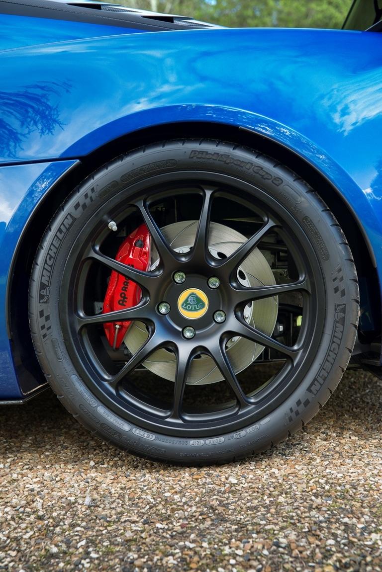Lotus Exige Cup 380 rear wheel (8)