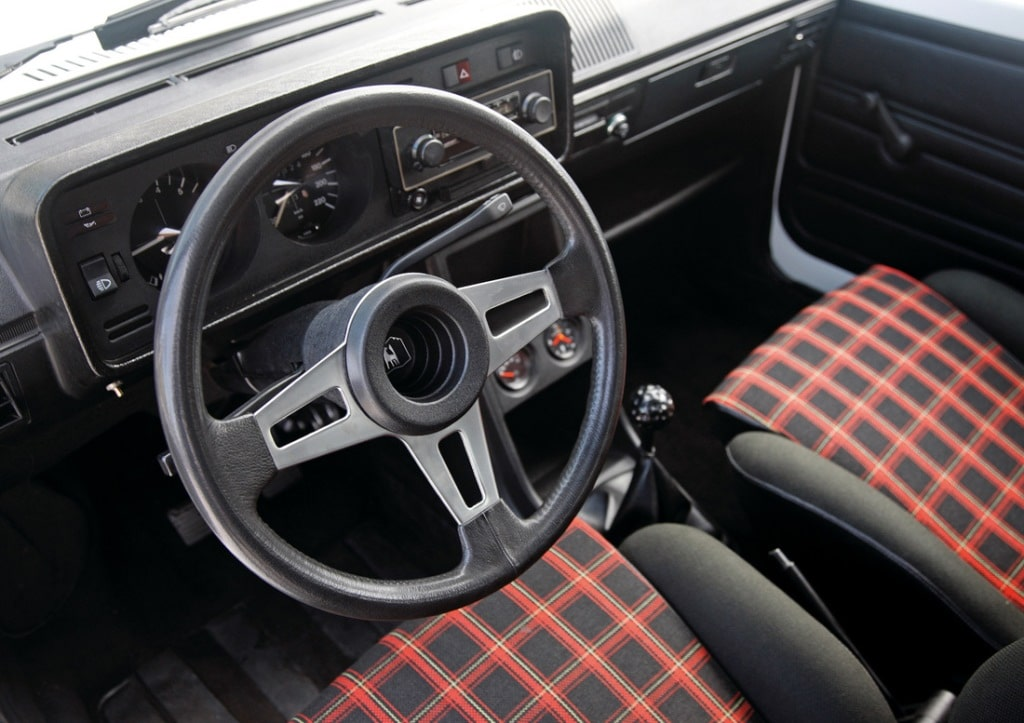 Volkswagen Golf GTi Mk1 1.6L 110 ch (1975)