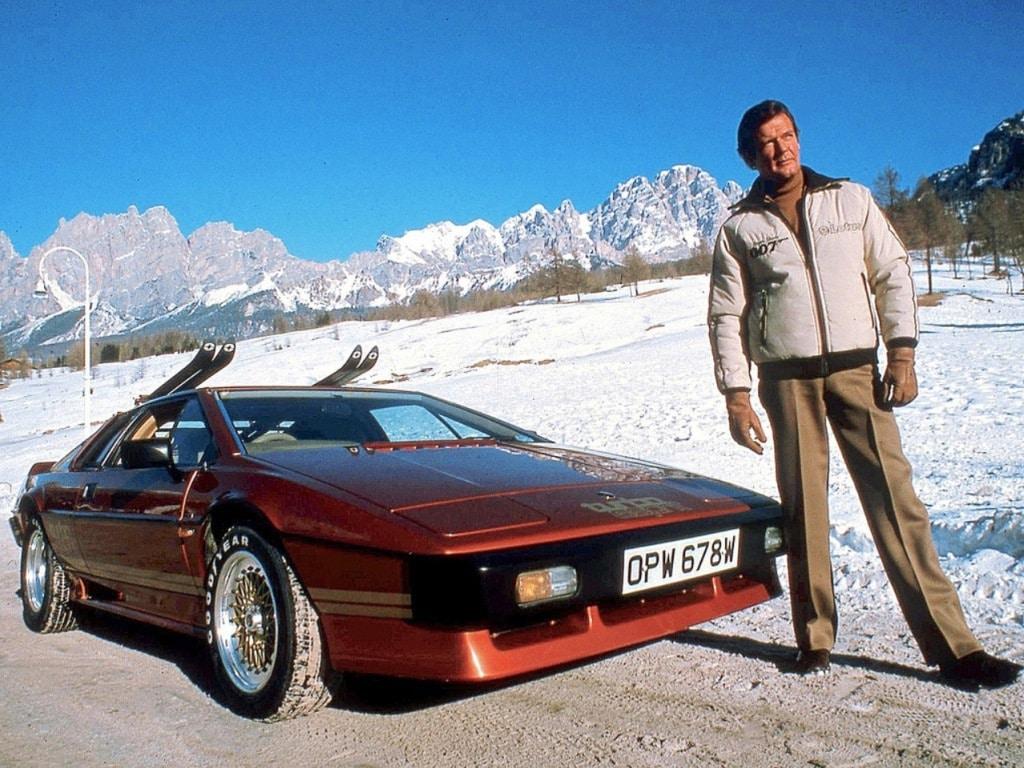 Lotus Esprit Turbo - Roger Moore - Rien que pour vos yeux (James Bond)