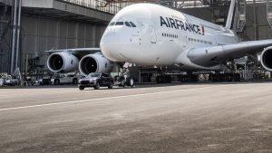 Airbus A380 & Porsche Cayenne - Aéroport Charles de Gaulle 2017