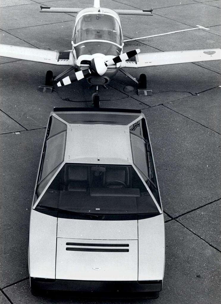 Aston_Martin_Bulldog_Concept_03
