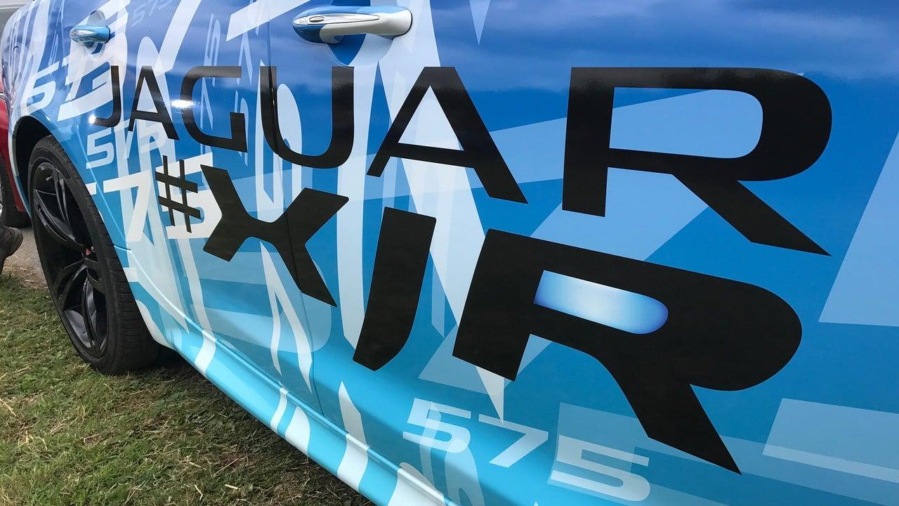 Jaguar-XJR-575-7