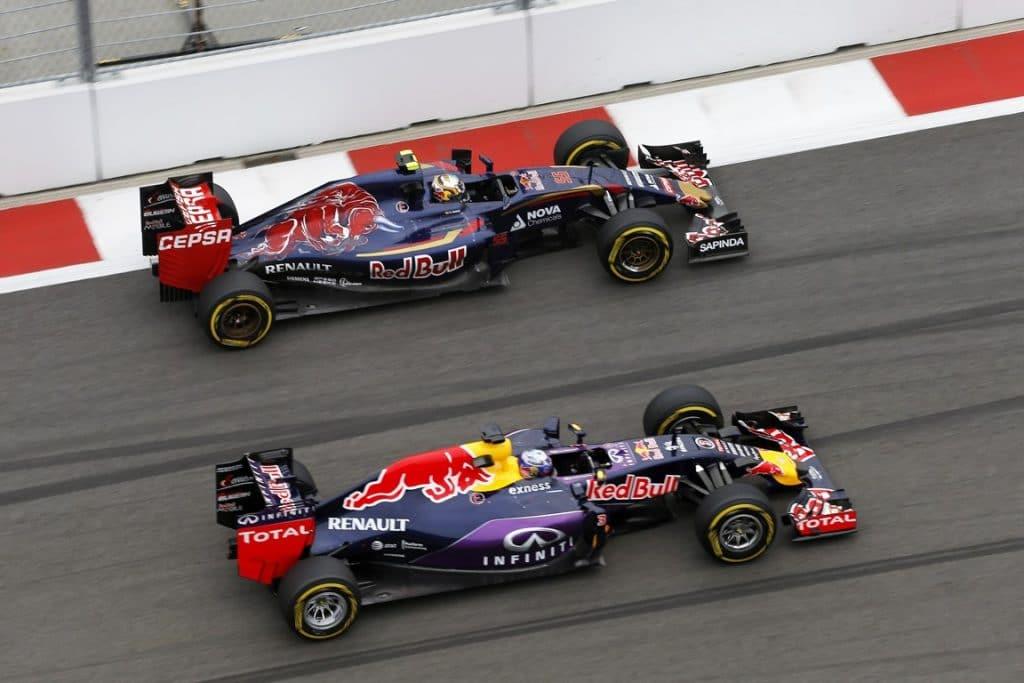 Red Bull Renault F1 RB11 et Toro Rosso Renault F1 STR10 2015