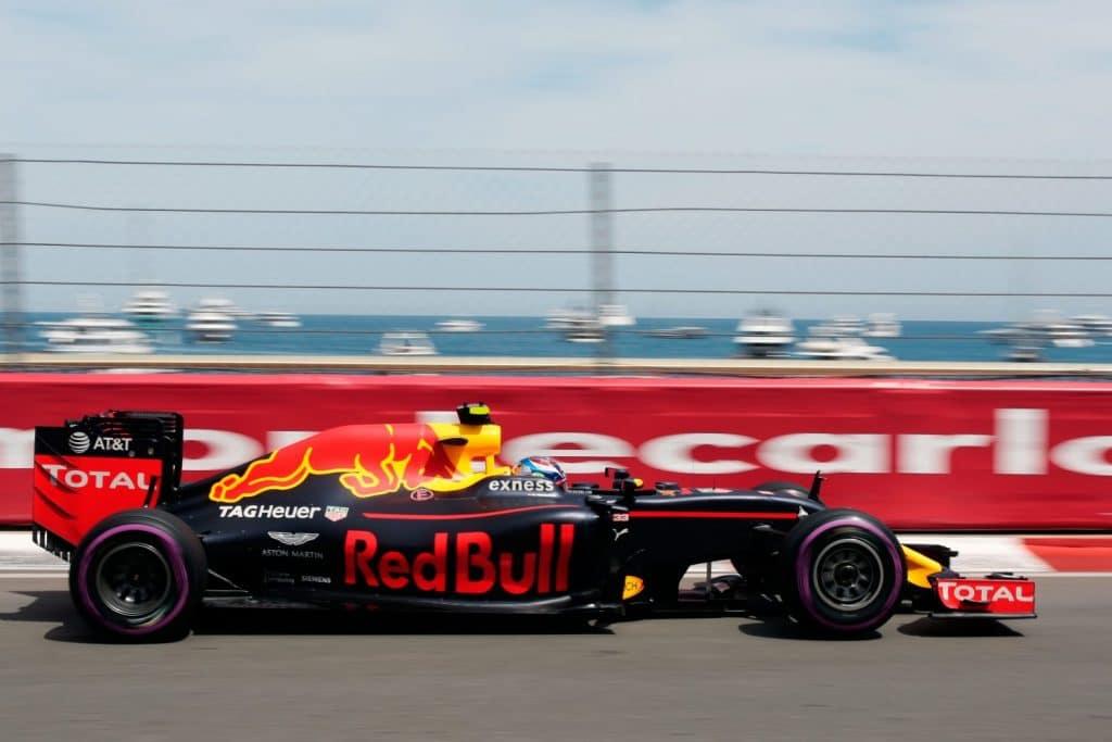 Red Bull Renault F1 RB12 2016 - Max Verstappen