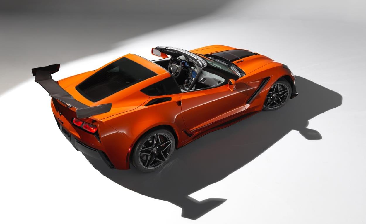 2019-Chevrolet-Corvette-ZR1-000