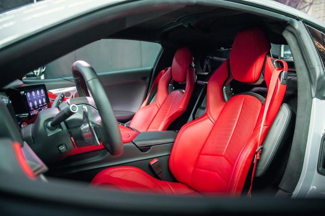 2020-Chevrolet-Corvette-Stingray-int3