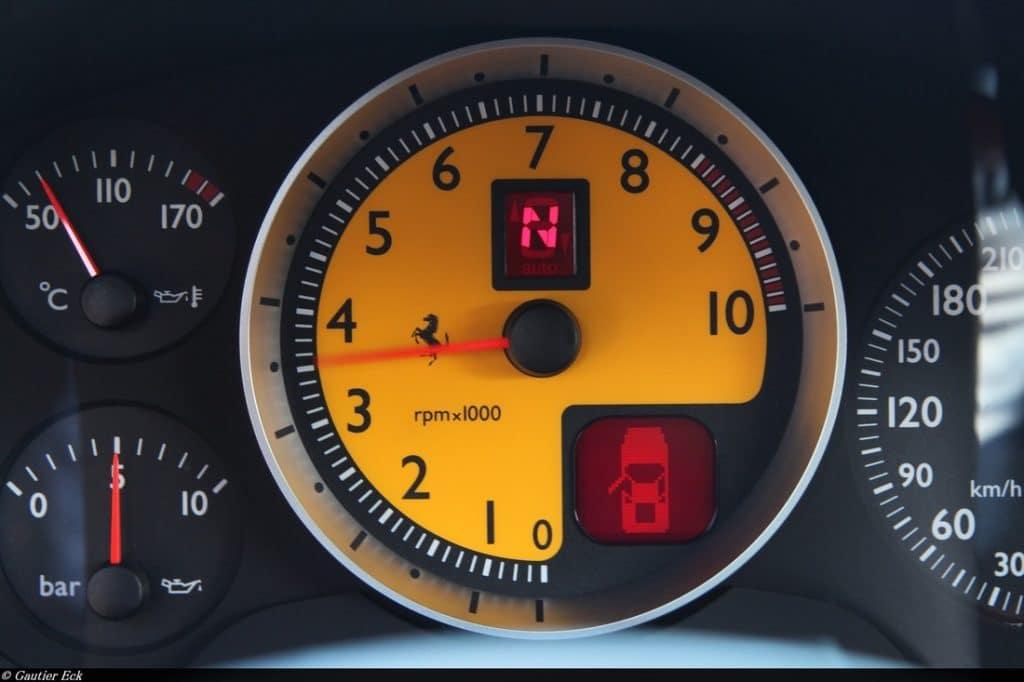 Ferrari compte-tours