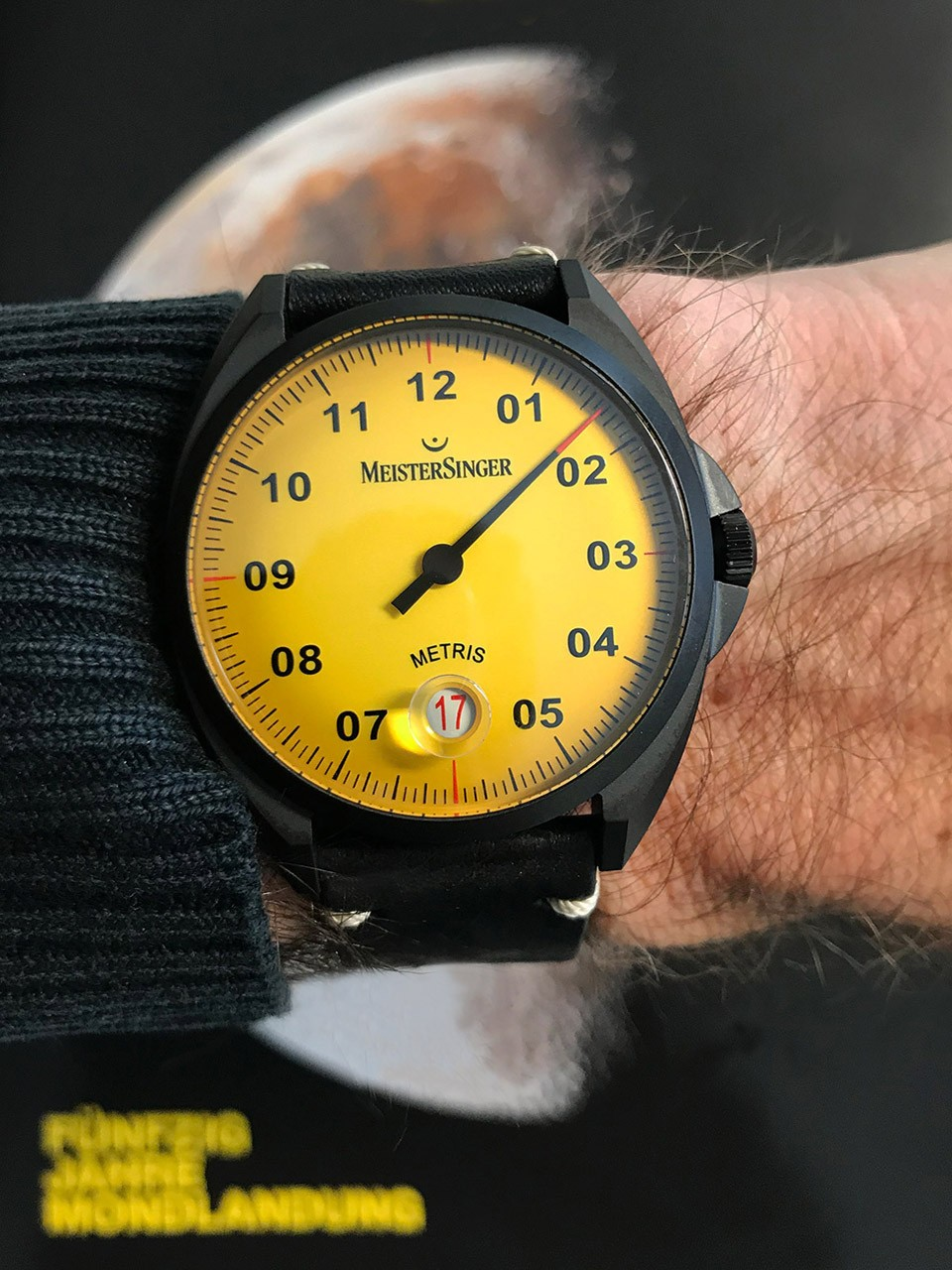 Meistersinger Metris Black Mellow Yellow