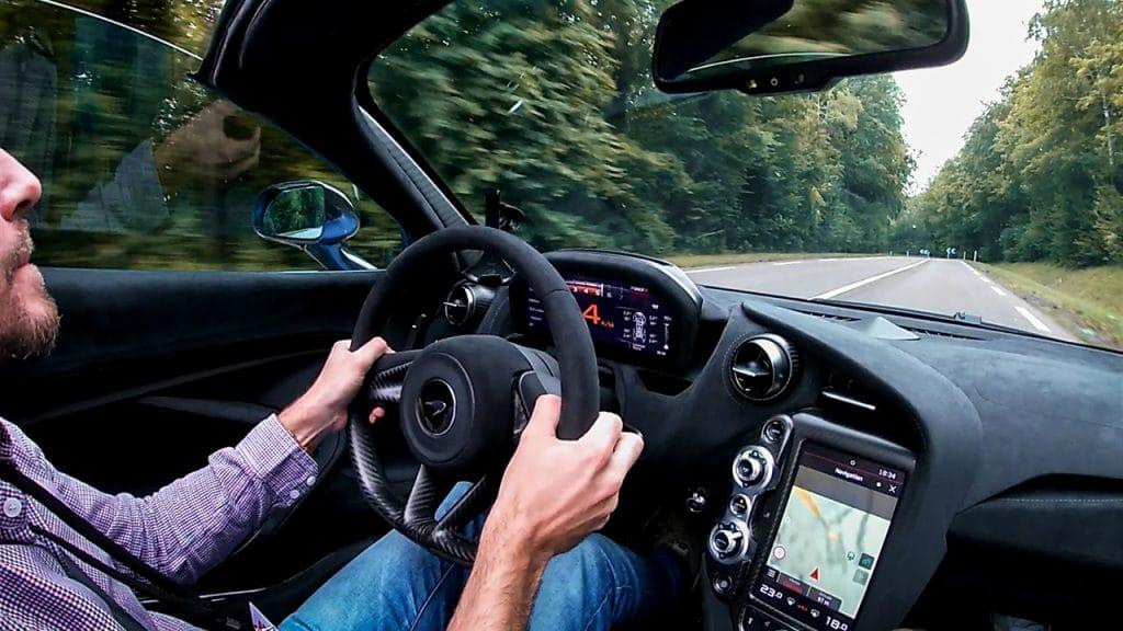 McLaren 720S Spyder roulage.