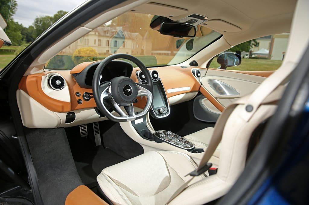 McLaren GT, interieur.