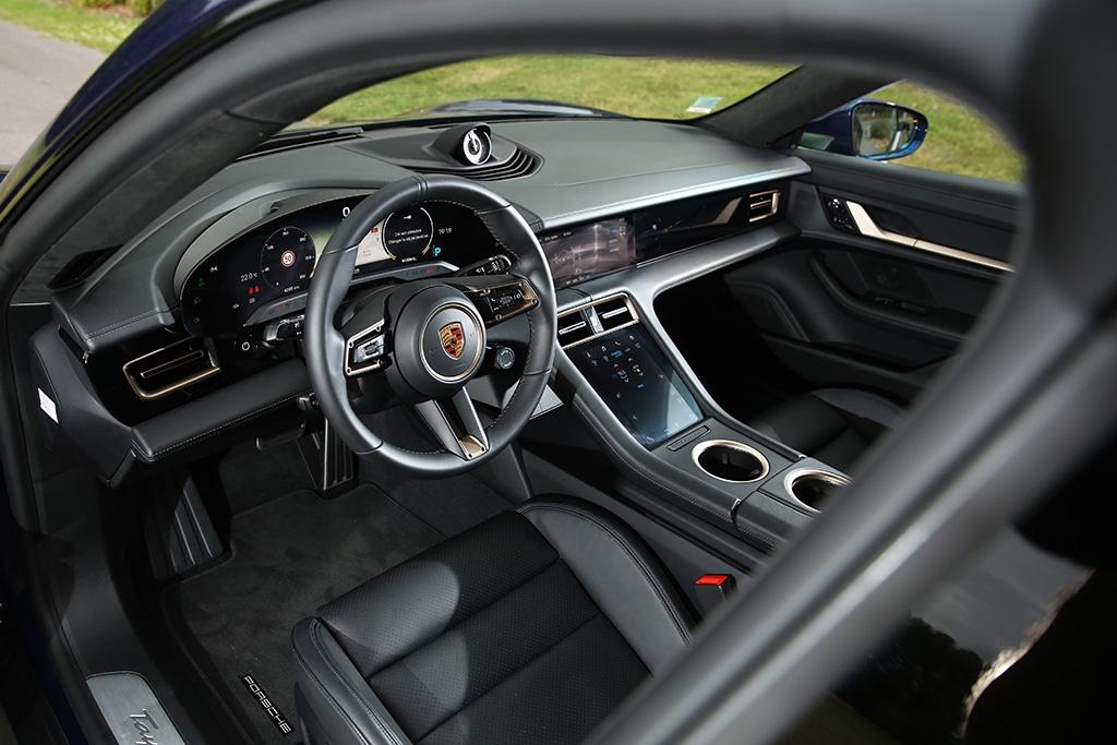 Porsche Taycan Turbo intérieur