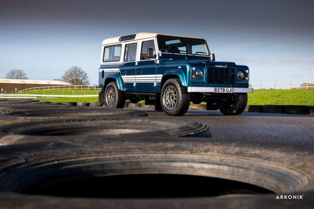 "Land Rover  Defender 110 (1984) ""UJO"""